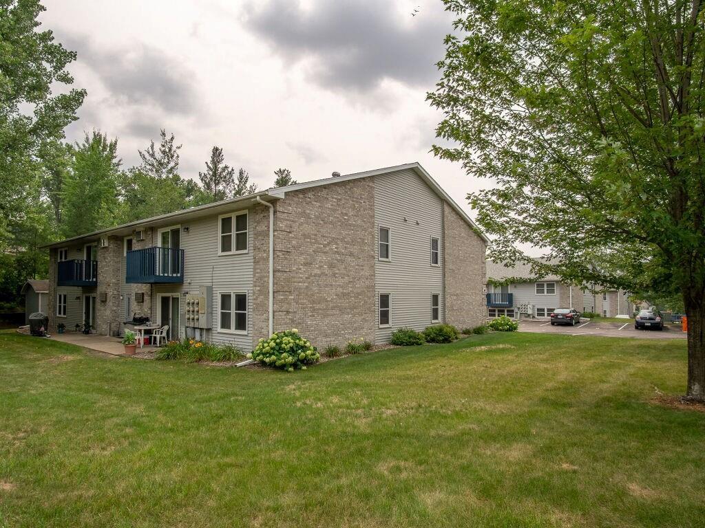 919, 927, 1003 Briar Lane #1-24 Property Photo 1