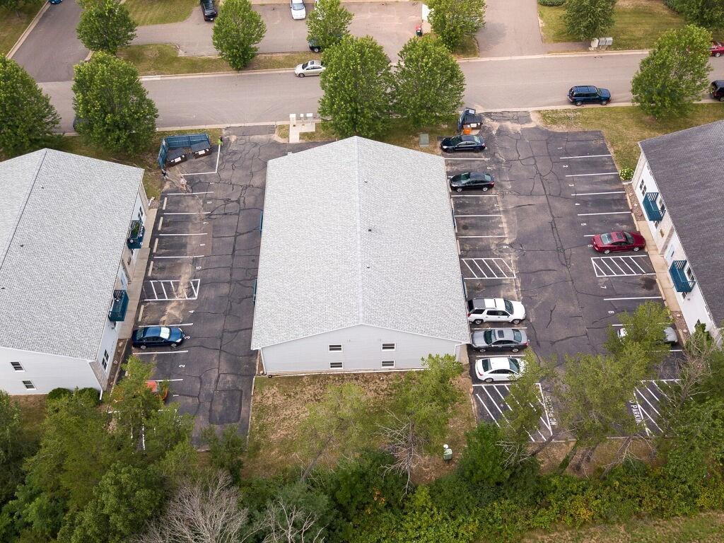 919, 927, 1003 Briar Lane 1-24 Property Photo 5