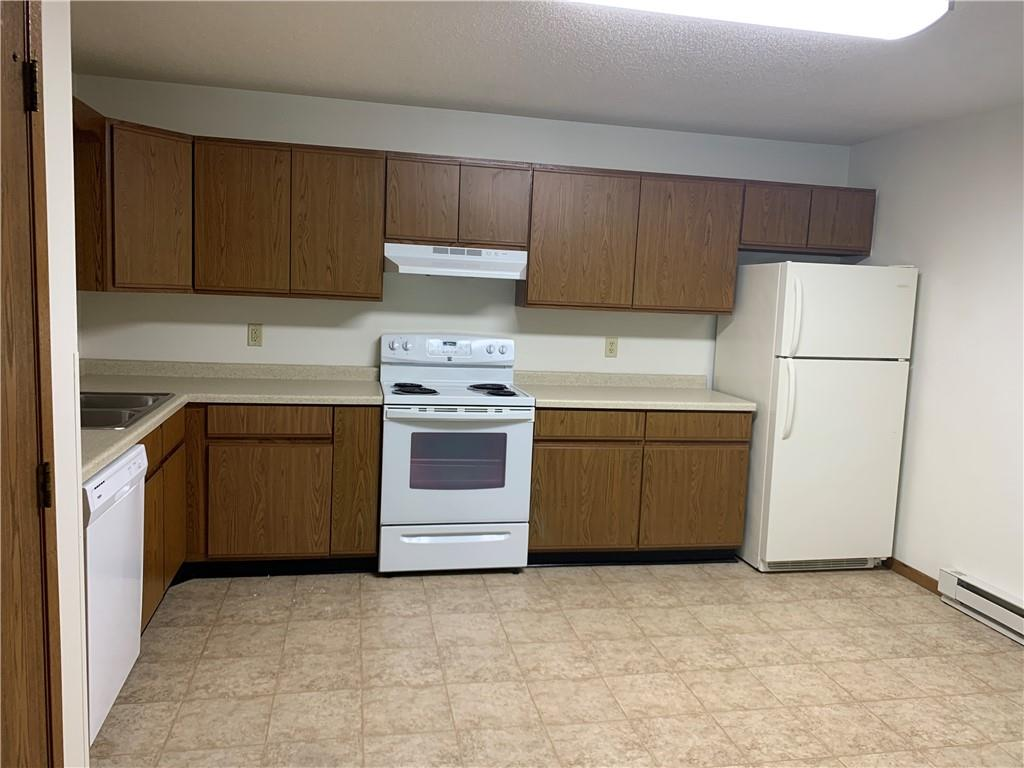 919, 927, 1003 Briar Lane 1-24 Property Photo 21