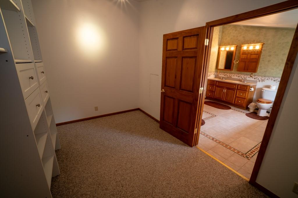 2555 Woodhaven Road Property Photo 12