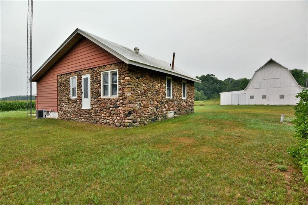 N4735 Loop Road Property Photo