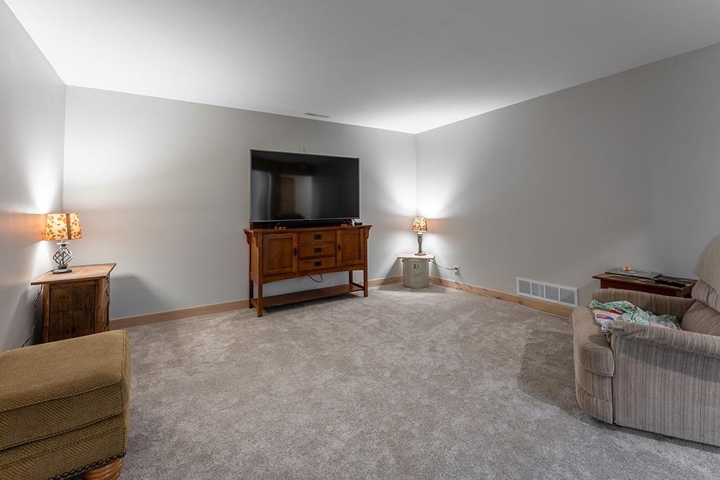 E9777 190th Street Property Photo 20