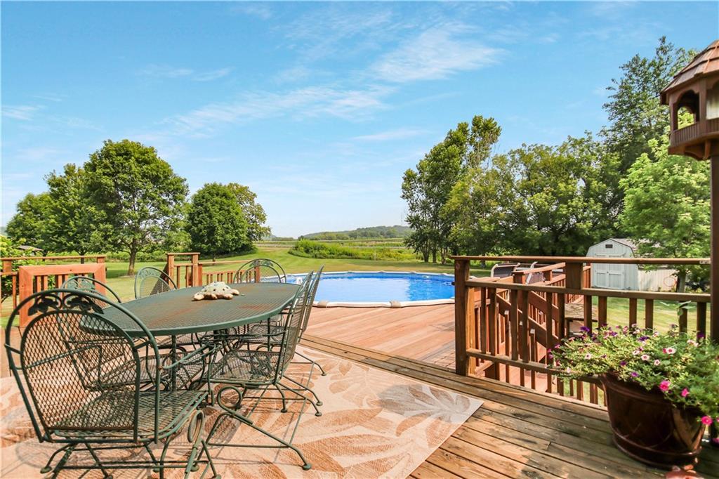 925 Bluff View Circle Property Photo 3