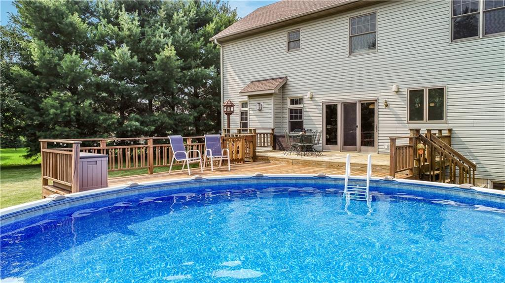 925 Bluff View Circle Property Photo 4