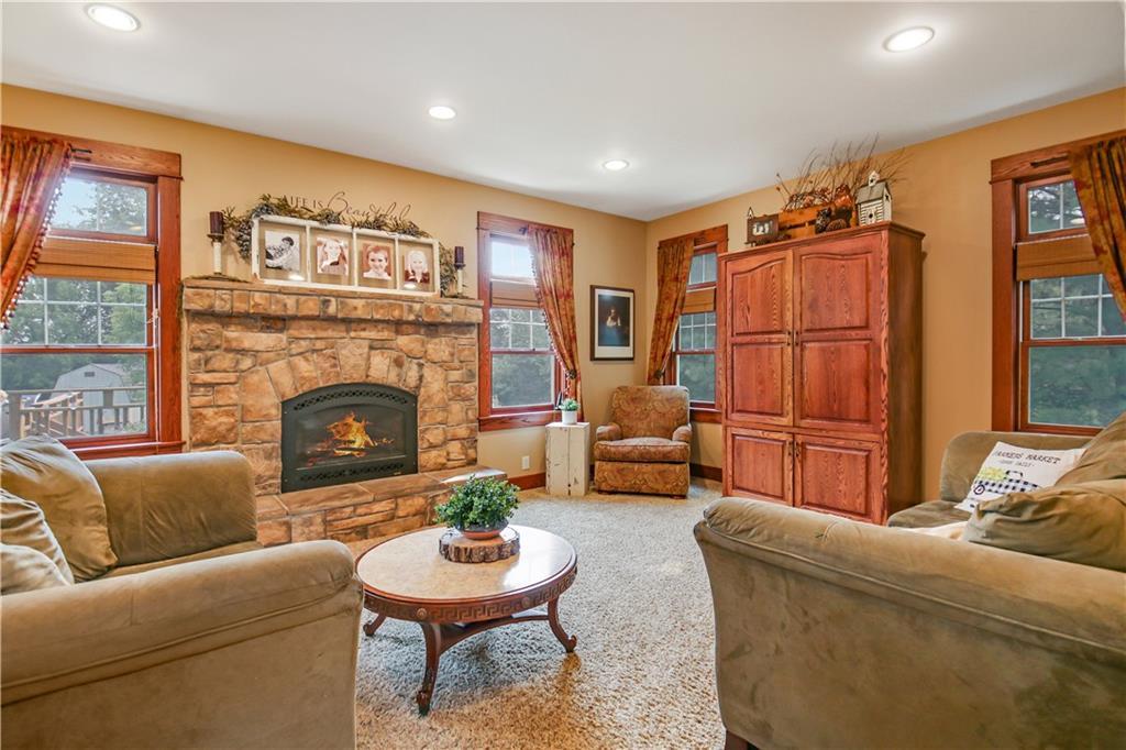 925 Bluff View Circle Property Photo 9