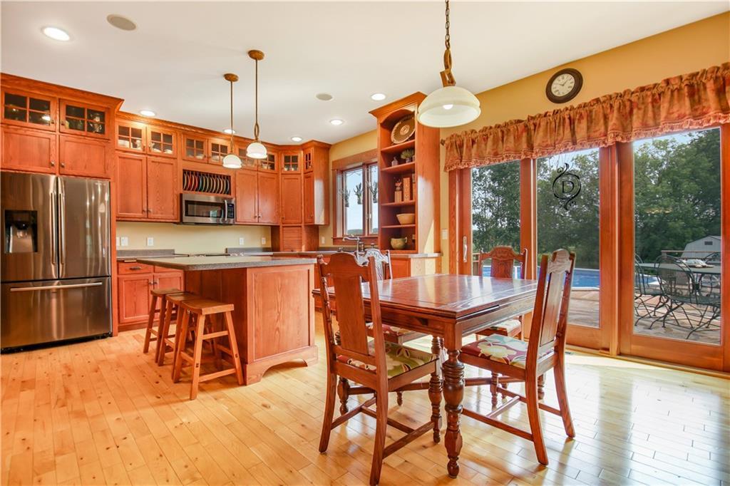 925 Bluff View Circle Property Photo 11