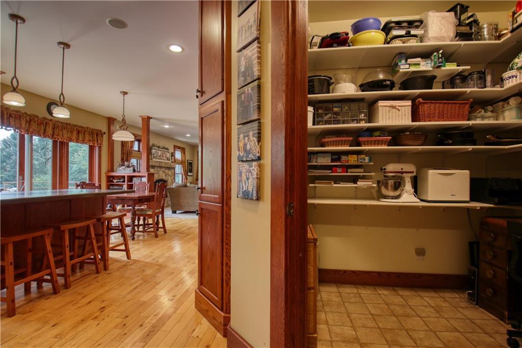 925 Bluff View Circle Property Photo 15