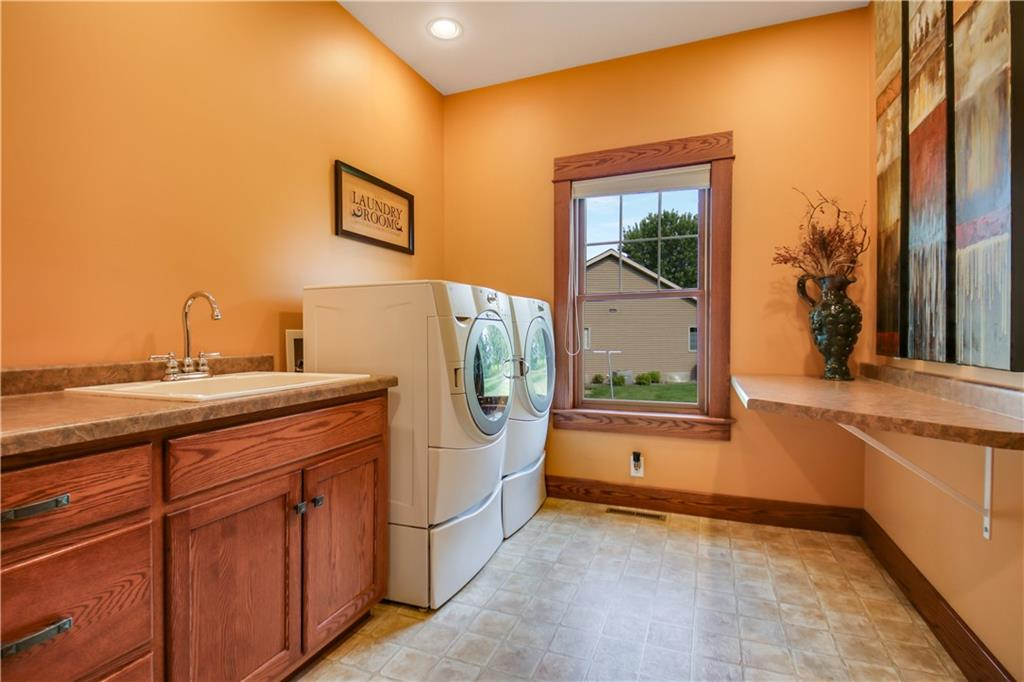 925 Bluff View Circle Property Photo 20