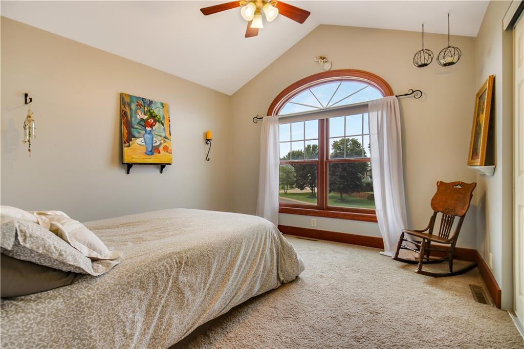 925 Bluff View Circle Property Photo 27