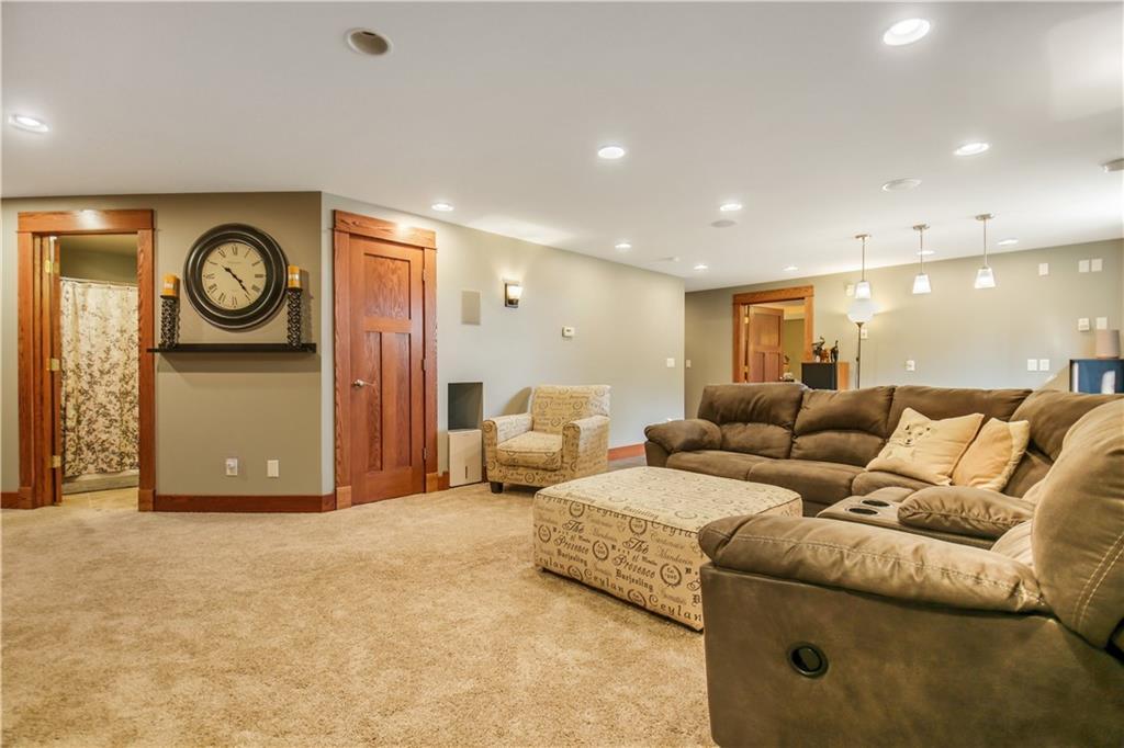 925 Bluff View Circle Property Photo 31