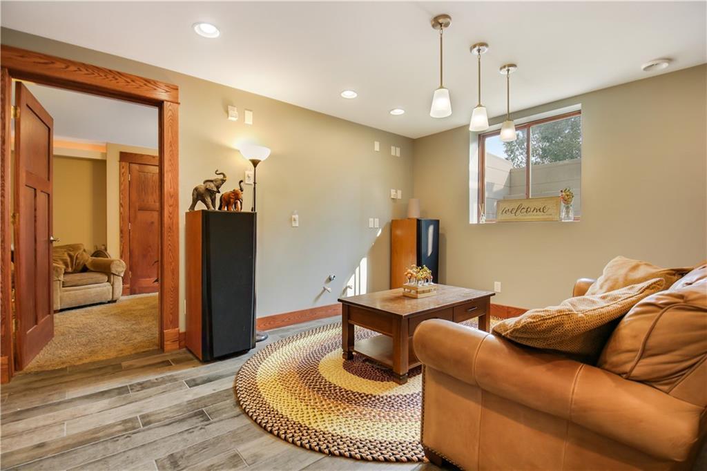 925 Bluff View Circle Property Photo 33