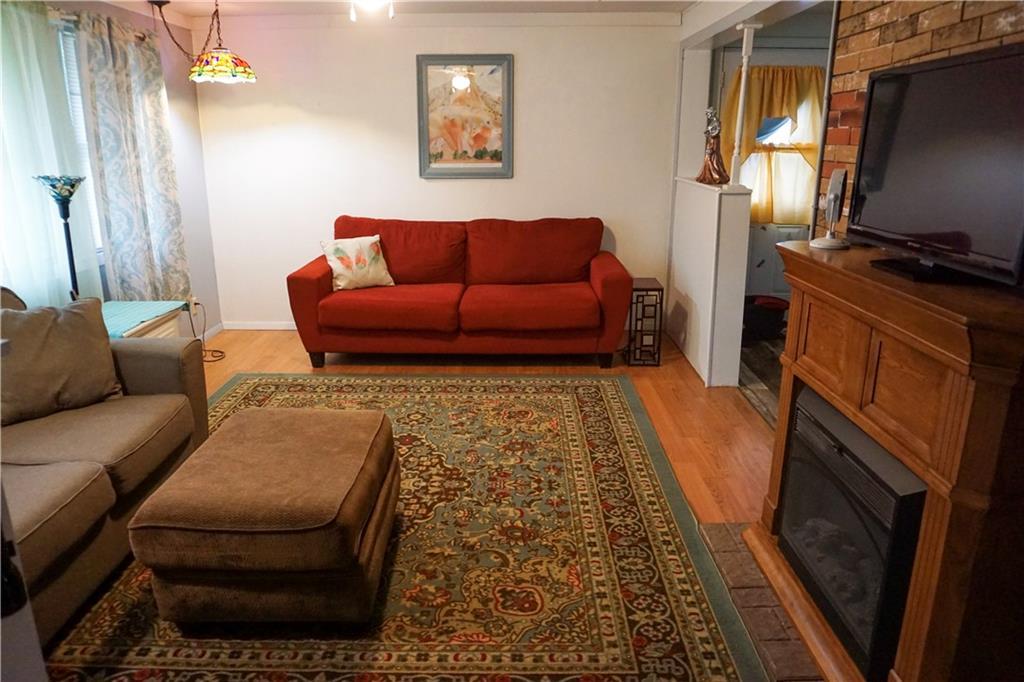 305 S Maiben Street Property Photo 5