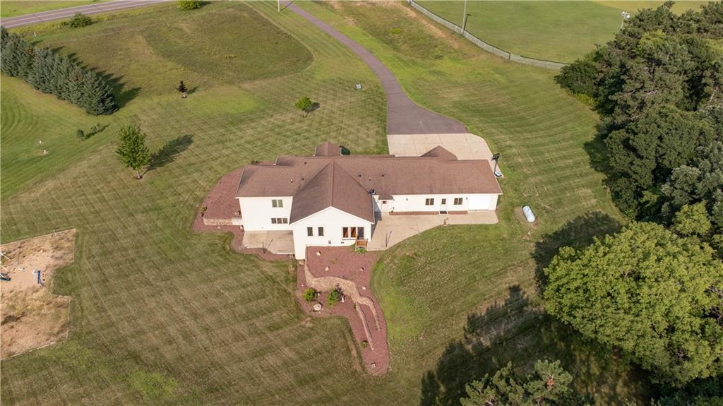 11997 County Highway B Property Photo 2