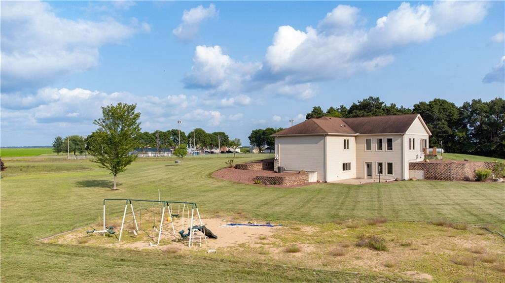 11997 County Highway B Property Photo 3