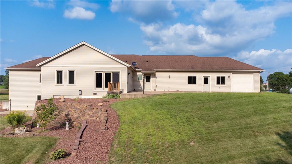 11997 County Highway B Property Photo 4
