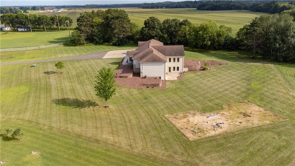 11997 County Highway B Property Photo 7