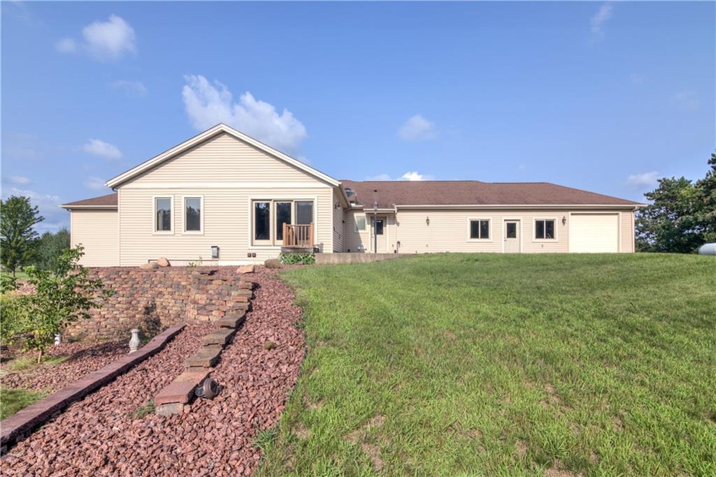 11997 County Highway B Property Photo 9