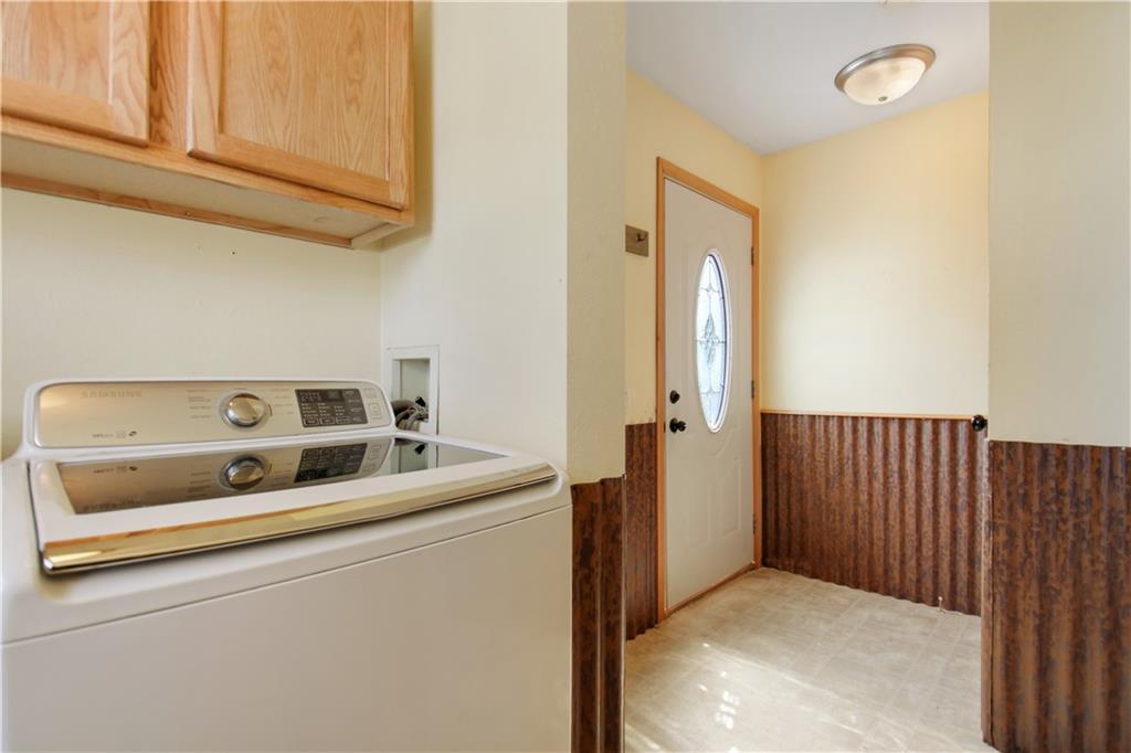 925 1st Street Property Photo 5