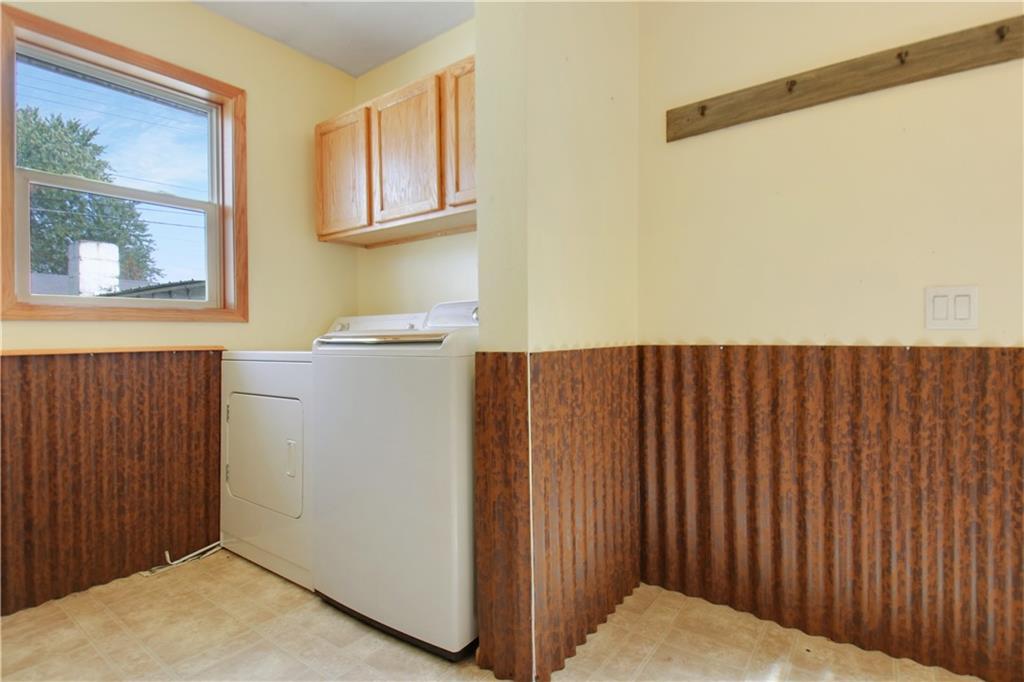 925 1st Street Property Photo 6