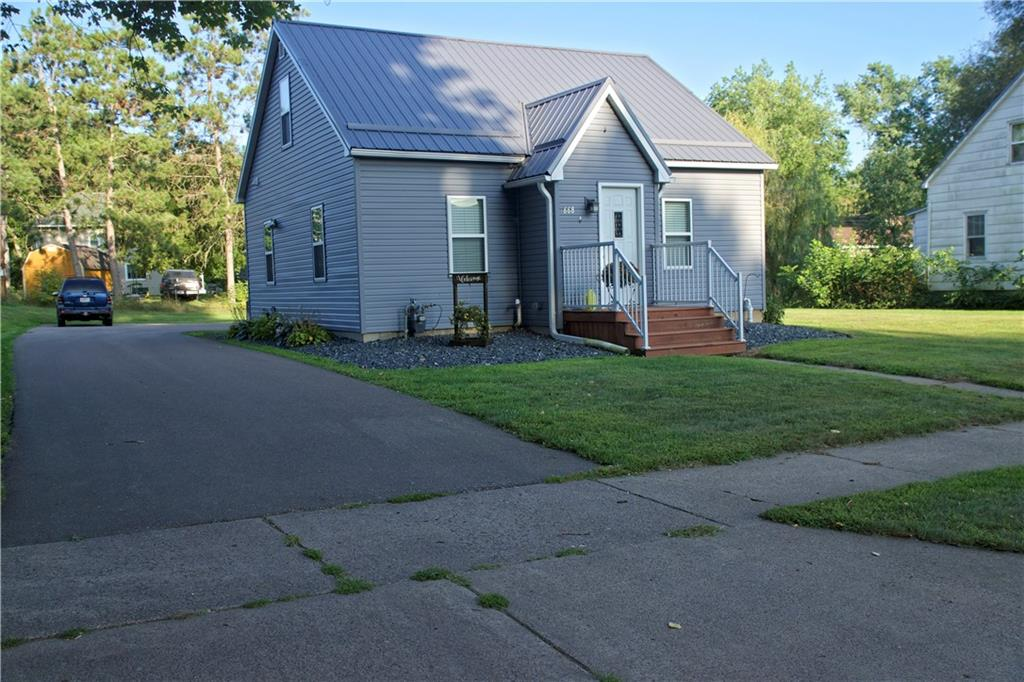 668 N Jackson Street Property Photo