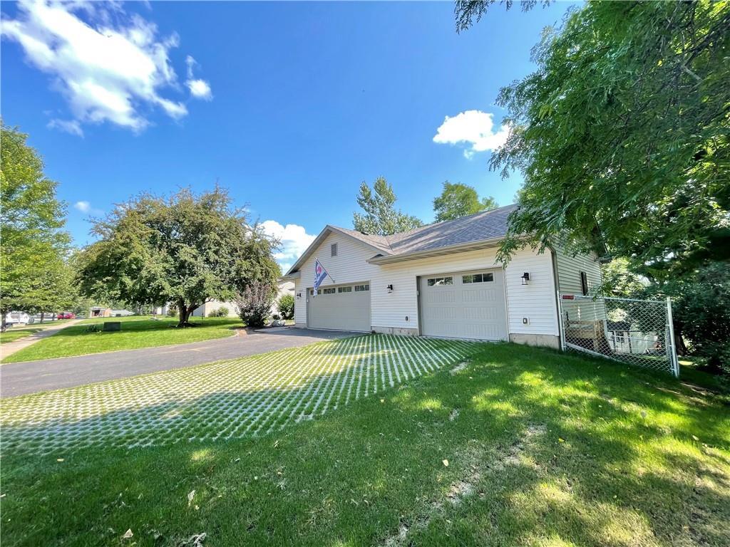 1227 Edgewood Drive Property Photo 7