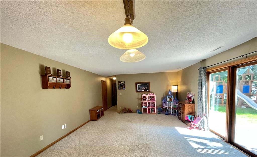 1227 Edgewood Drive Property Photo 29