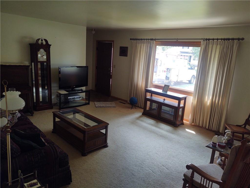 664 W Vine Street Property Photo 3