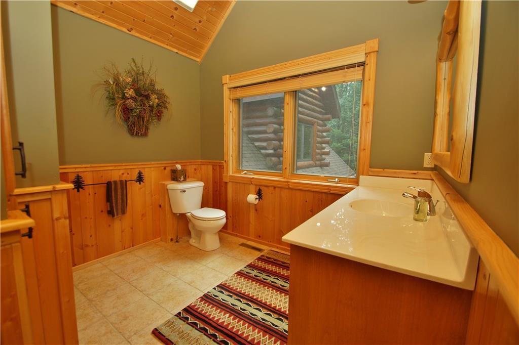 309 S Lake Drive Property Photo 27