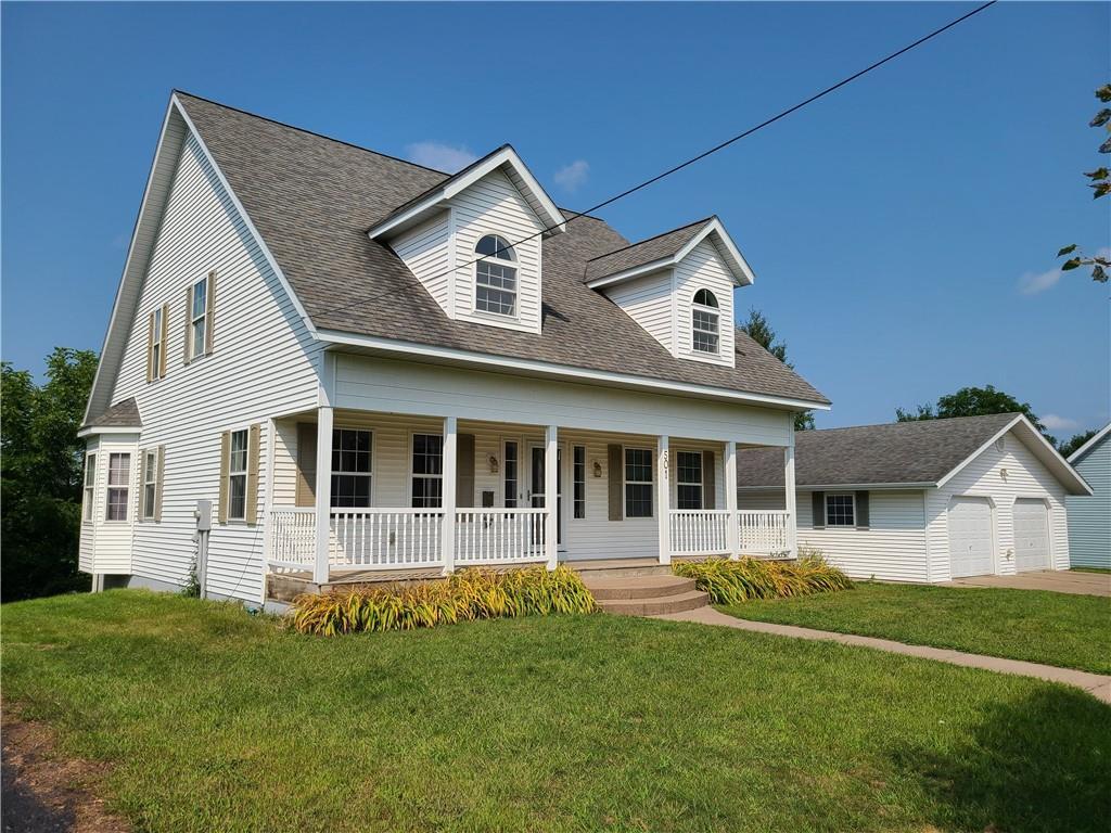 501 Lake Avenue E Property Photo