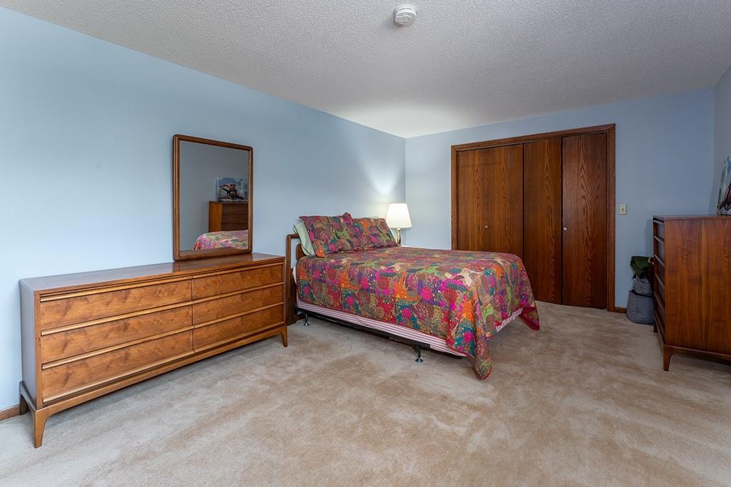 930 Cambridge Court Property Photo 22