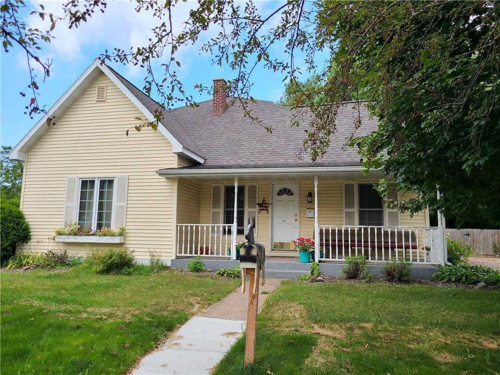 411 Lake Avenue E Property Photo