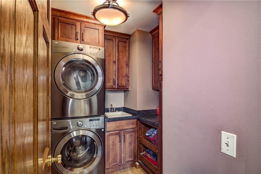 1820 Pine Avenue E Property Photo 24