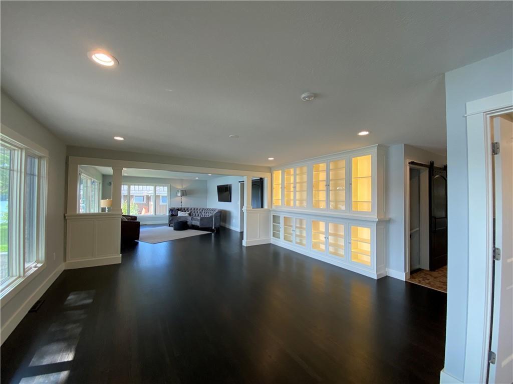 5592 183rd Street Property Photo 6