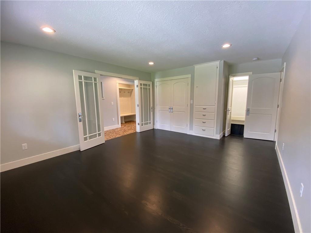 5592 183rd Street Property Photo 7