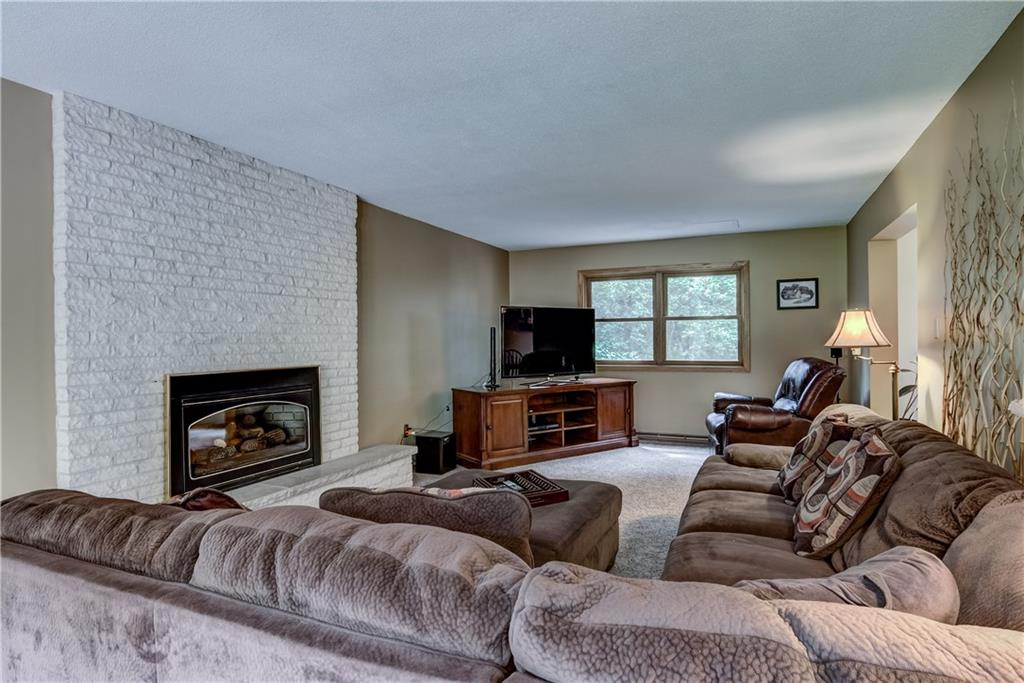 1211 Windsor Forest Drive Property Photo 7