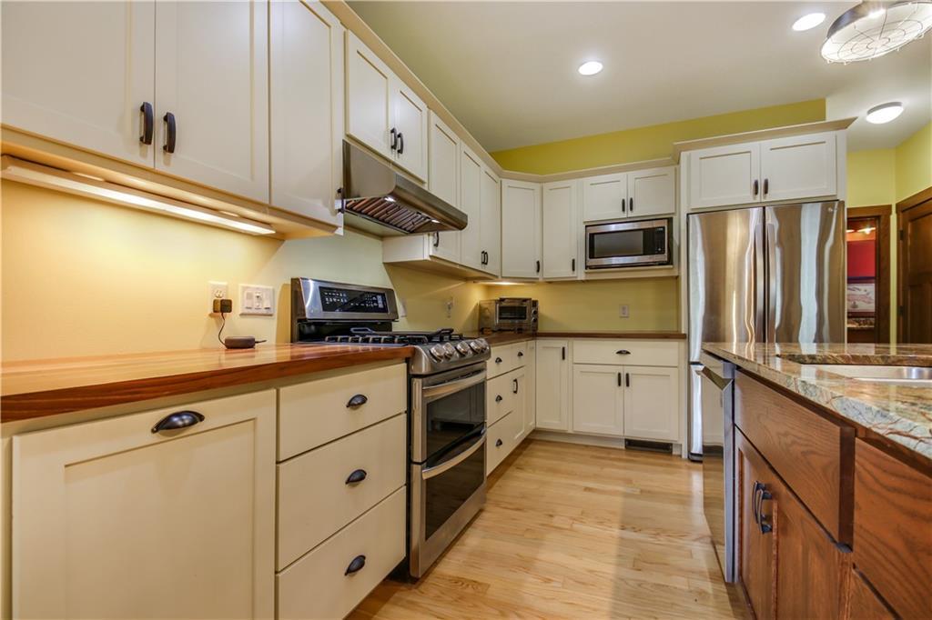 511 Miles Street Property Photo 9