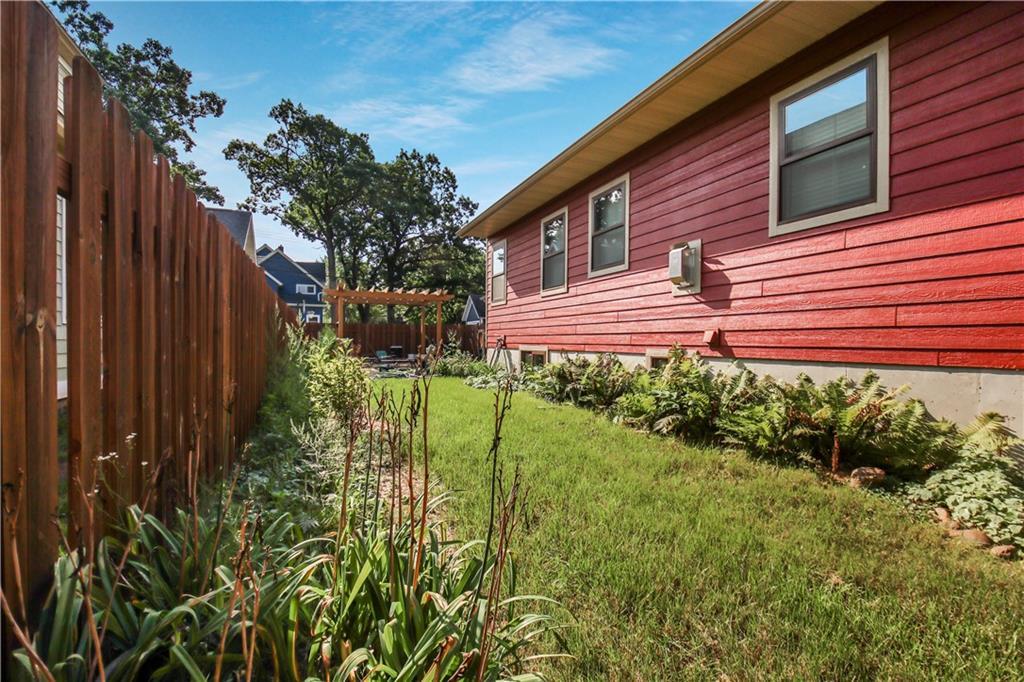 511 Miles Street Property Photo 21