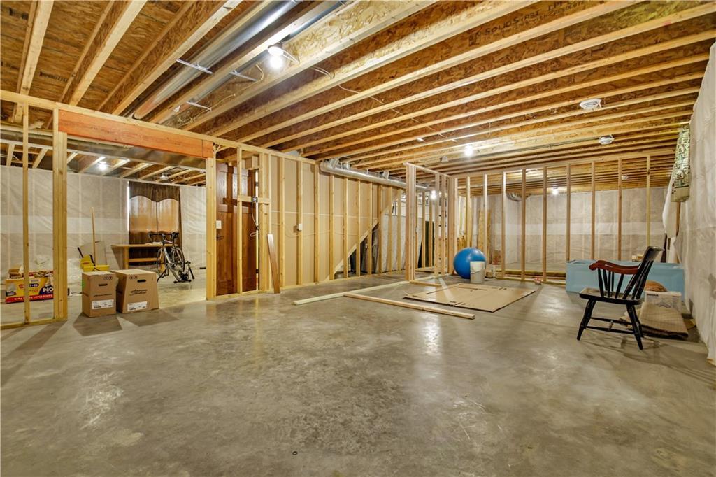 511 Miles Street Property Photo 24