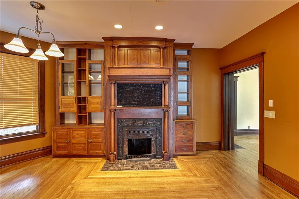 520 Pierce Property Photo 7