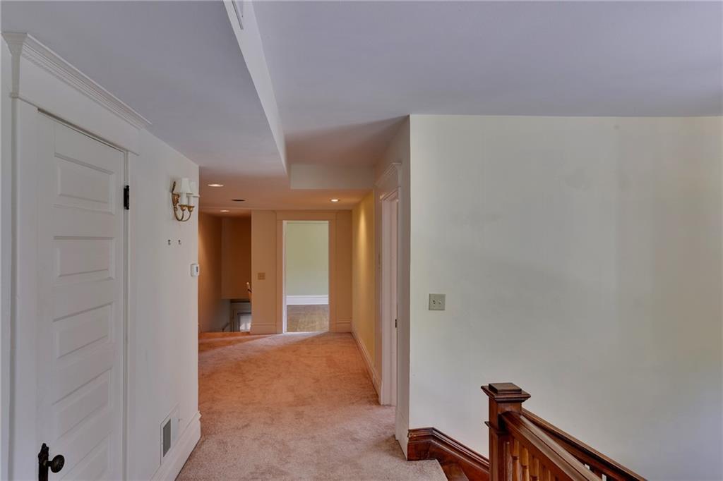 520 Pierce Property Photo 33