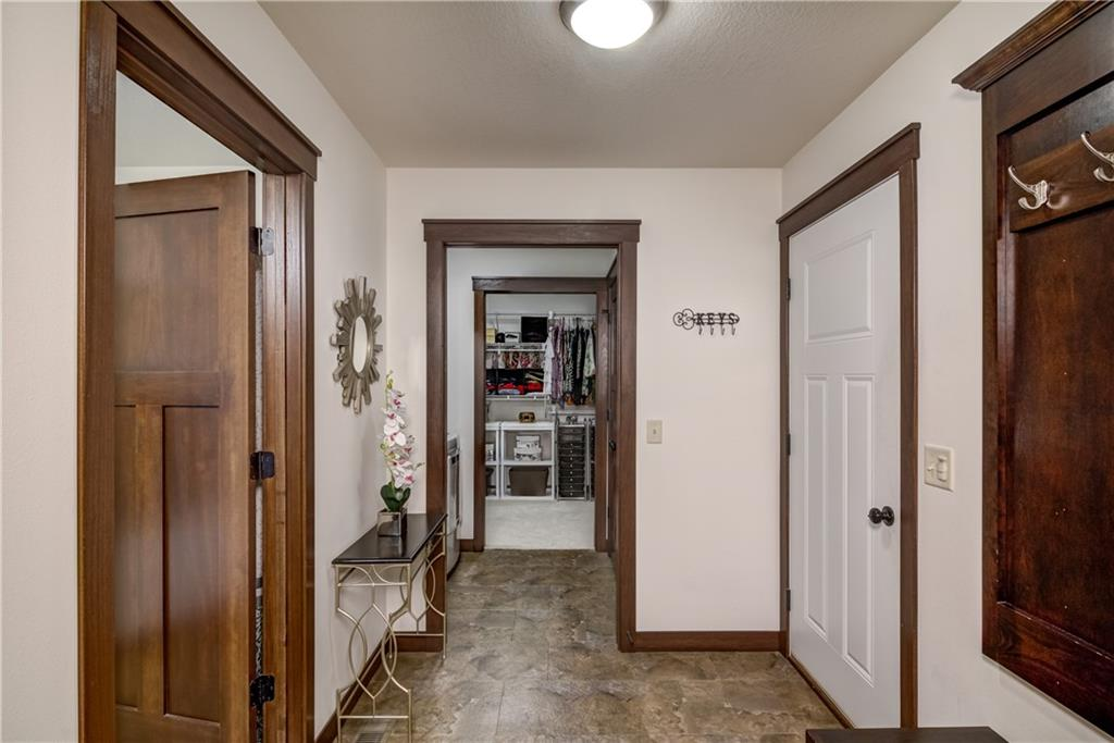 748 Club View Lane Property Photo 25