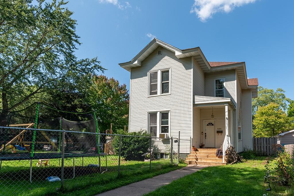 520 W Willow Street Property Photo 1