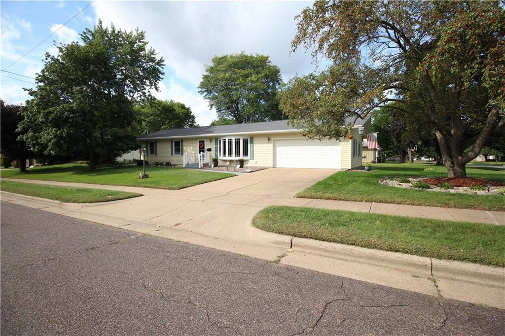 1470 Cummings Avenue Property Photo 1