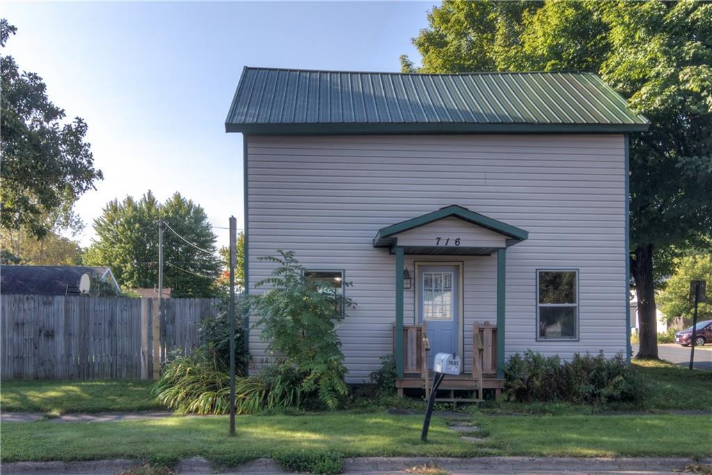 716 Lee Street Property Photo 1