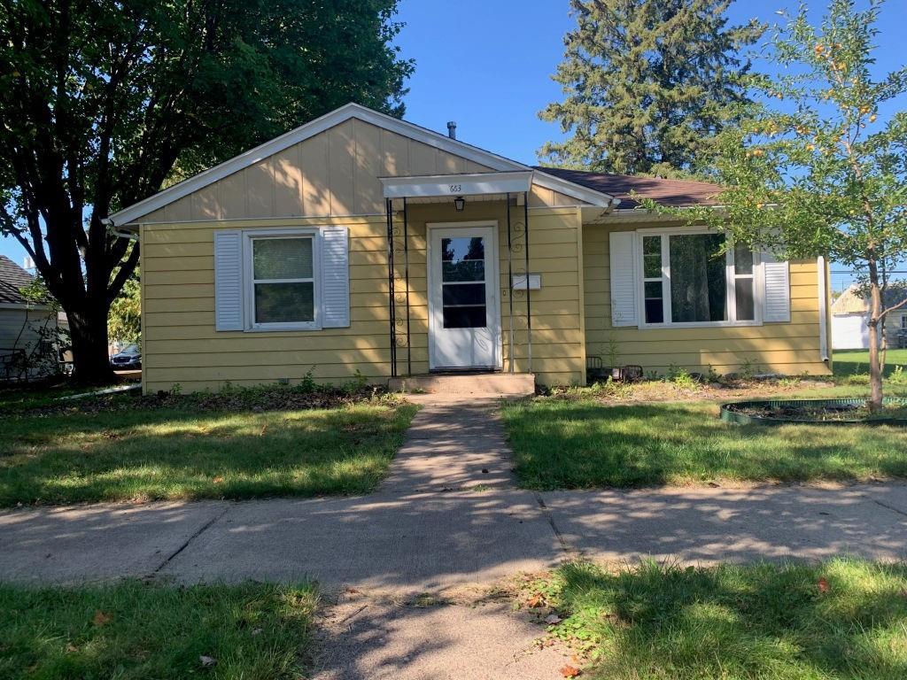 663 2nd Avenue N Property Photo