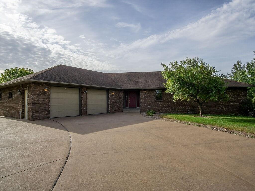 7714 S Crestview Drive Property Photo 1