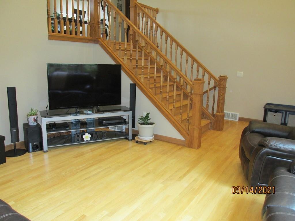 4315 E Pinewood Circle Property Photo 5