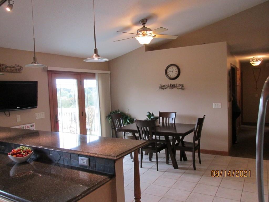 4315 E Pinewood Circle Property Photo 9