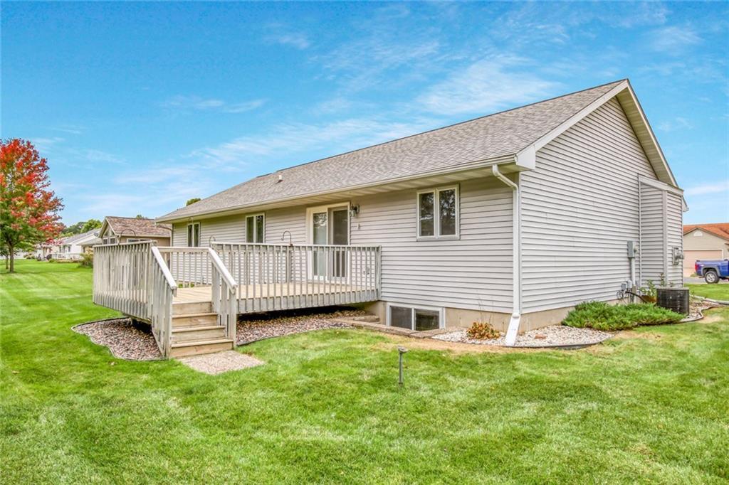 3329 E Meadows Place Property Photo 2