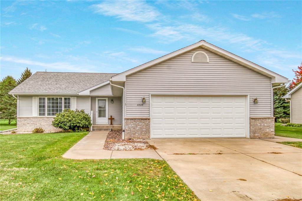 3329 E Meadows Place Property Photo 3